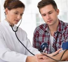 Por que o acompanhamento médico é tão importante para adolescentes?