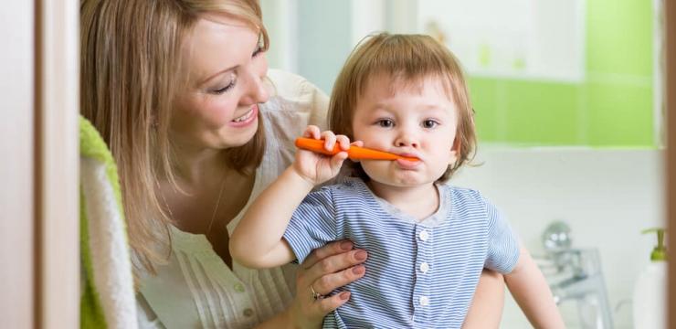 Quando levar o bebê ao dentista pela primeira vez?
