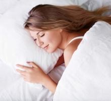 Quer dormir melhor? Esqueça estes 5 hábitos que causam insônia